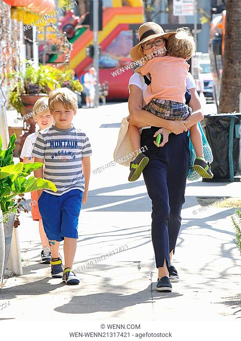 Julie Bowen and her three sons enjoy a morning together at a farmers' market Featuring: Julie Bowen,Oliver Phillips,Gustav Phillips