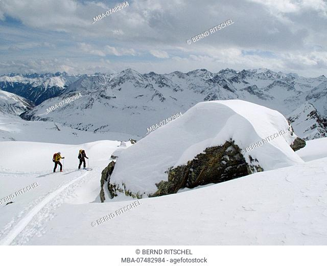 Ski tour to the Pirchkogel, Stubai Alps, Tyrol, Austria