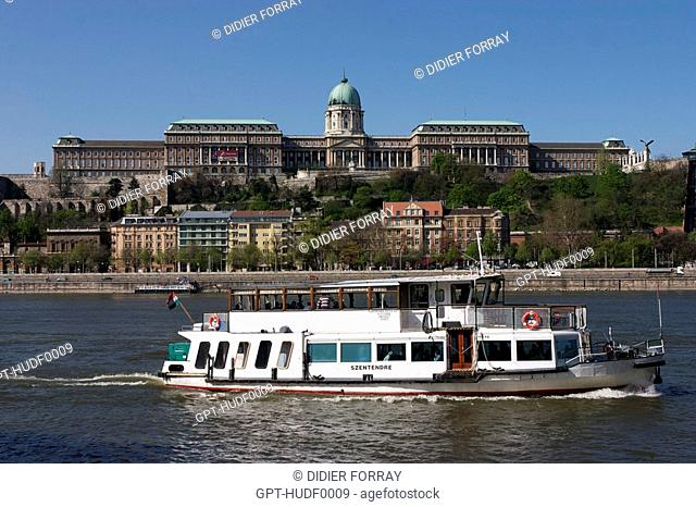THE DANUBE, BOAT, VIEW OF THE ROYAL PALACE, CASTLE HILL, BUDAPEST, CAPITAL, HUNGARY