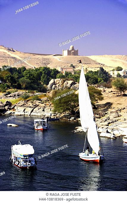 Egypt, North Africa, Aswan, Nile, river, Felucca, boats, desert, scenery