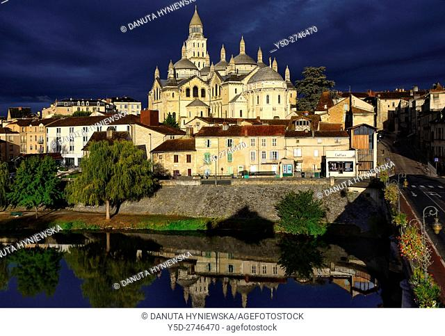Saint-Front Cathedral, old town of Périgueux, World Heritage Sites of the Routes of Santiago de Compostela in France, Dordogne, Aquitaine, France, Europe