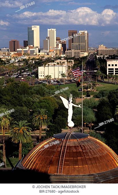 USA, United States of America, Arizona: I Downtown Phoenix. Capitol