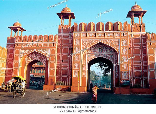 Street scene, Ajmeri Gate. Jaipur. Rajasthan. India