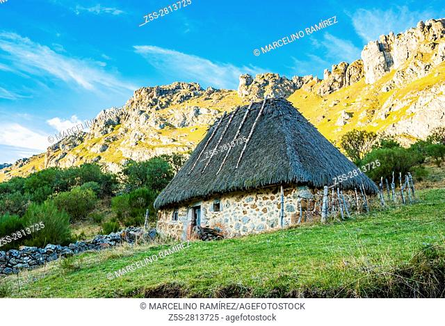 Thatched roof in Valle del Lago. Somiedo, Principality of Asturias, Spain, Europe