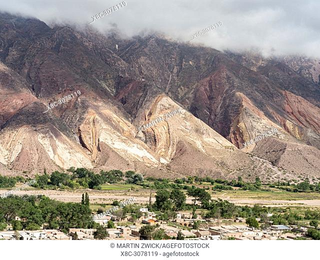 Iconic landmark, the rock formation La Paleta del Pintor, near the village Maimara in the canyon Quebrada de Humahuaca. The Quebrada is listed as UNESCO world...