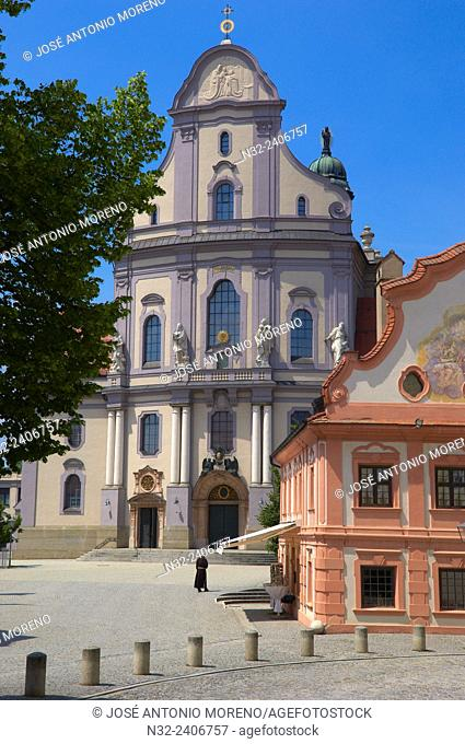 Pilgrimage town Altötting, Basilica of St. Anna, Neo-Baroque church, Altoetting, Upper Bavaria, Bavaria, Germany,