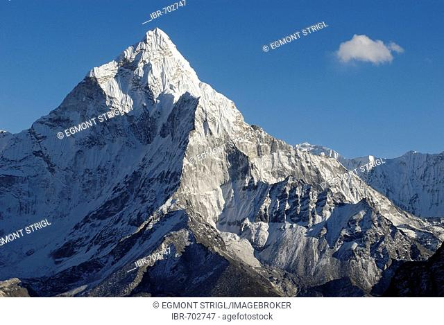 Ama Dablam Peak (6856), Khumbu Himal, Sagarmatha National Park, Nepal