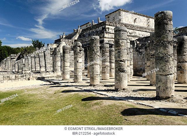 Templo de los Guerreros, temple of the warriors, Maya and Toltec archeological site Chichen Itza, new worldwonder, Yucatan, Mexico