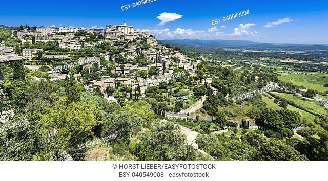 View to the village of Gordes. Vaucluse, Provence-Alpes-Cote dâ. . Azur, France