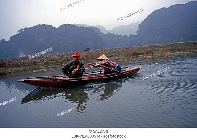 Sampan,terrestrial Halong Bay,Vietnam