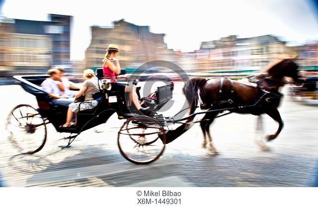 Carriage in the Big Market square, Bruges, Wet Flanders, Flemish Region, Belgium, Europe