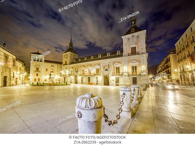 Plaza de la Villa, night view. Madrid, Spain