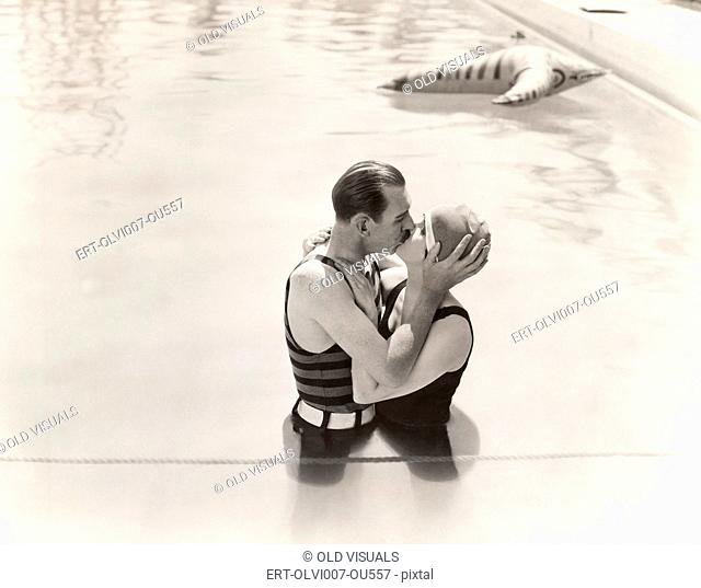 Summer romance (OLVI007-OU557-F)