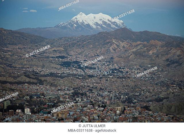 Bolivia, La Paz, townscape, volcano Illimani