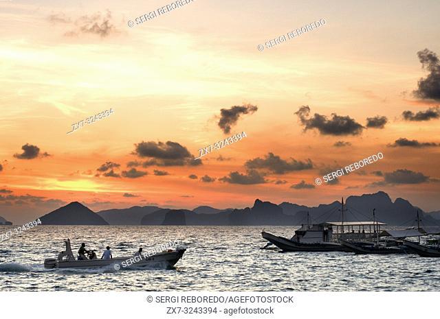 Boats sails through the South China Sea. The nest. Palawan. Palawan s El Nido stunning scenery made of limestone hills and lagoons El Nido The Philippines