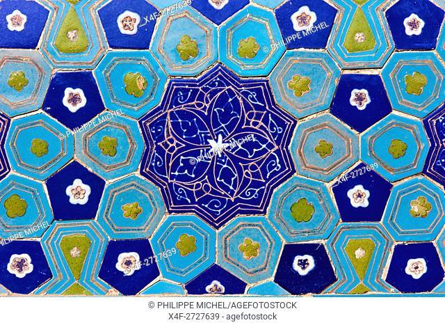 Uzbekistan, Samarkand, Unesco World Heritage, Shah i Zinda mausoleum, blue tile