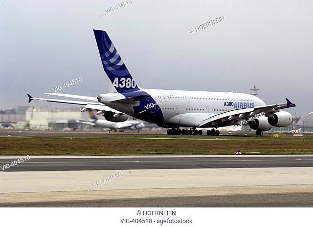 Airbus A 380 starts for the first long distance flight with 519 passengers from Frankfurt on the main to New York  - Frankfurt, Hessen, GERMANY, 19/03/2007