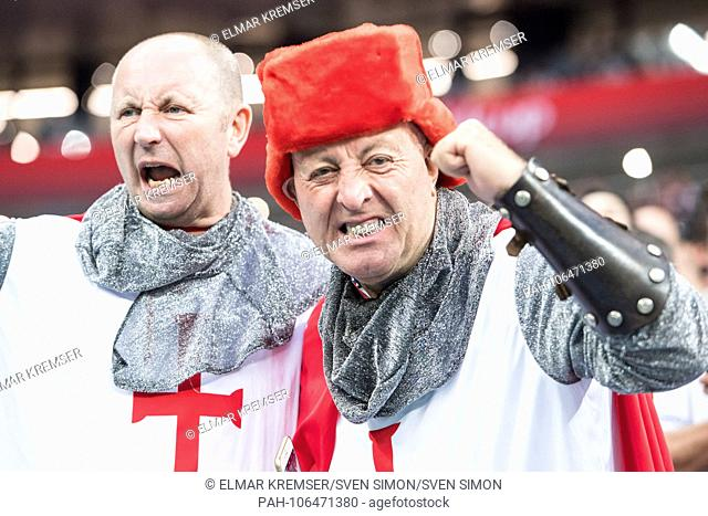 English fans in Crusader knightly costumes, KostÃ-men, bust, gesture, gesture, fan, fans, spectators, supporters, Supporters, Croatia (CRO) - England (ENG) 2: 1