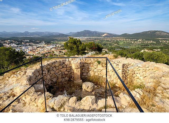 restos de una torre circular, Puig de Sa Morisca 019, Parque arqueológico Puig de sa Morisca, Calviá, Mallorca, balearic islands, spain