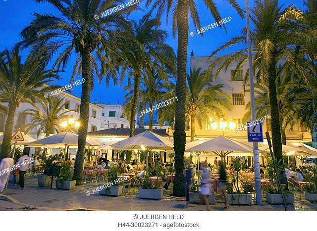 Spain, Baleares island, Ibiza town by night, restaurants near harbour, street cafes