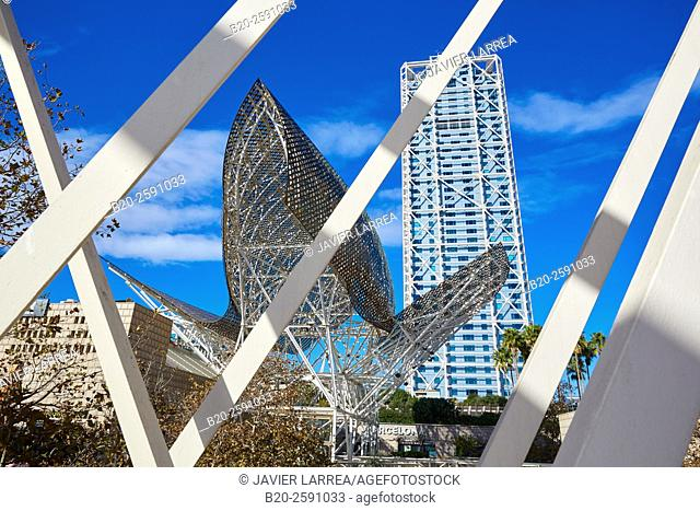 Arts Hotel, Sculpture 'Fish' of Frank Gehry, Puerto Olimpico, Olympic Harbour, Barcelona. Catalonia, Spain