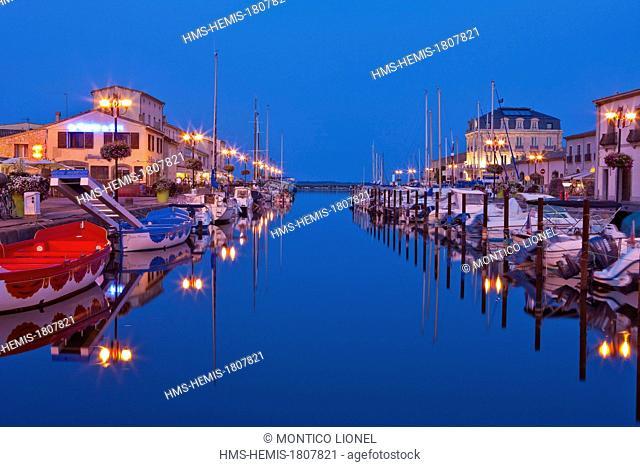 France, Herault, Bassin de Thau, Marseillan, marina