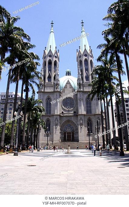 Sé Square, Sé Cathedral, São Paulo, Brazil