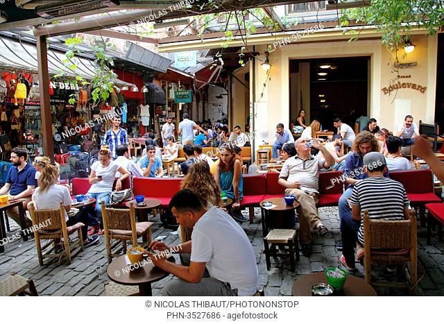 Turkey, Istanbul, Beyoglu district, Galatasaray quarter, Istiklal street, Hazzopulos passage