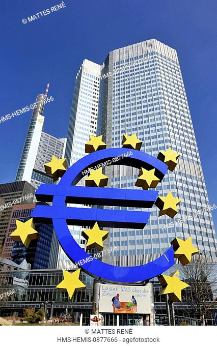 Germany, Hesse, Frankfurt am Main, Willy Brandt square, Euro sign outside the European Central Bank