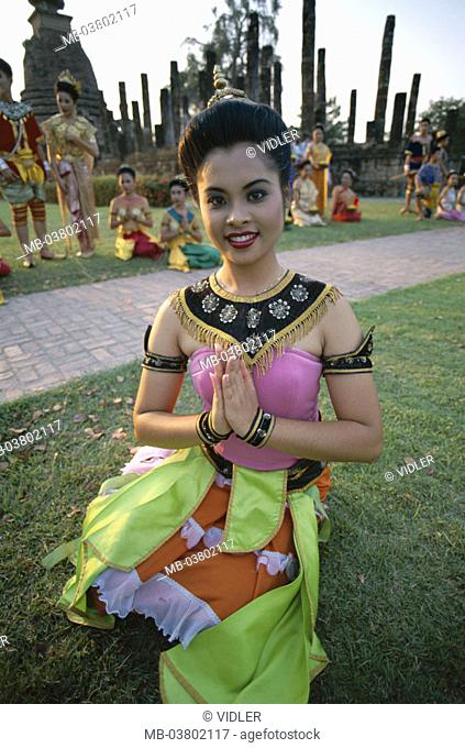 Thailand, Sukhothai, wade Mahathat, Temple dancer, movement,  Series, Asia, southeast Asia, woman, Thai, dancer,  Folklore clothing, festively, gaze camera