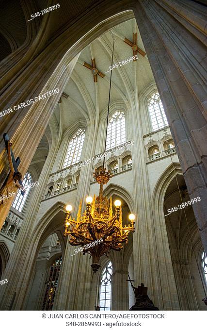 Interior de la Catedral de San Pedro en Nantes. Paises del Loira. Francia. Europa