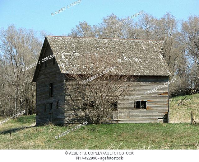 abandoned barn, midwestern United States