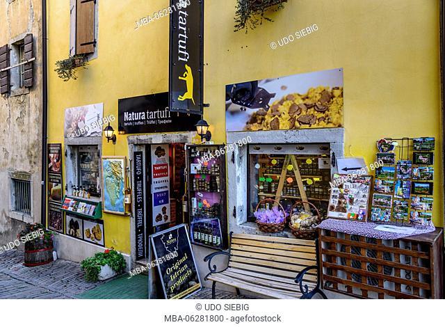 Croatia, Istria, Mirnska dolina, Motovun, delicacies, shop for truffles