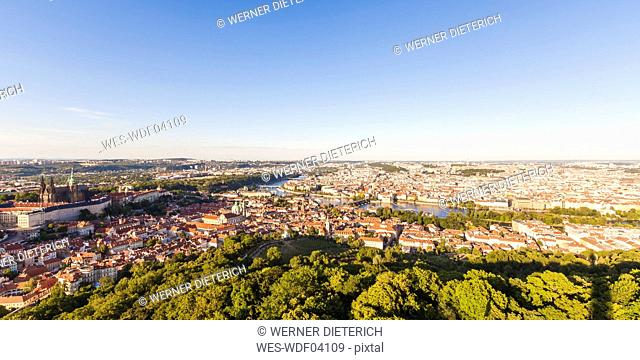Czech Republic, Prague, cityscape with Hradcany, old town, Charles Bridge and Vltava