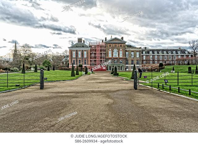 London, England, UK, Kensington Palace and Tourist Entry, Open gate