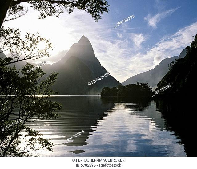 Mitre Peak, Milford Sound, fjord area, National Park, South Island, New Zealand