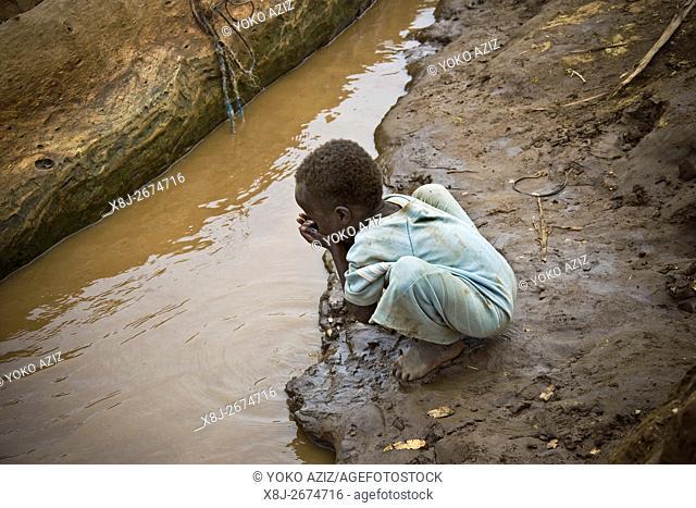Child, Dassanch land, Omorate, Ethiopia