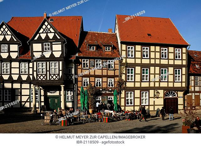 Space with old half-timbered houses, Schlossberg, Quedlinburg, Saxony-Anhalt, Germany, Europe
