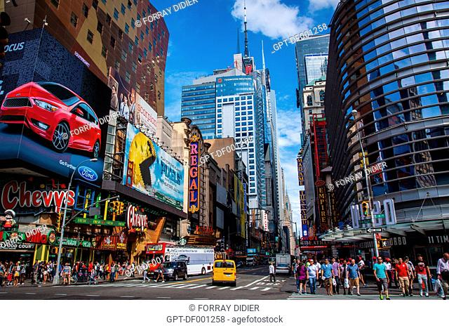 VIEW OF 42ND STREET IN THE HEART OF THE THEATER DISTRICT WITH THE CHRYSLER BUILDING IN THE BACKGROUND, TIMES SQUARE, MIDTOWN, MANHATTAN, NEW YORK CITY