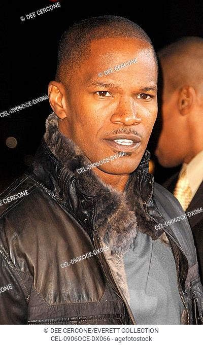 Jamie Foxx at arrivals for LAW ABIDING CITIZEN Premiere, Grauman's Chinese Theatre, Los Angeles, CA October 6, 2009. Photo By: Dee Cercone/Everett Collection