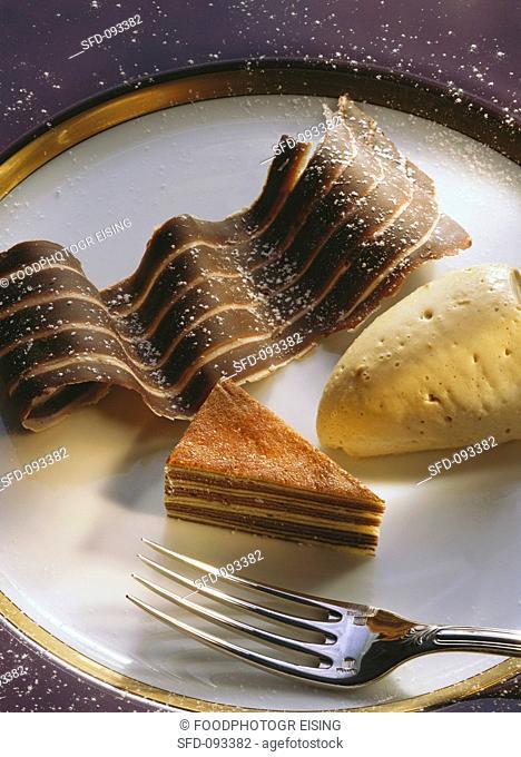 Spiced coffee mousse with tree cake gateau