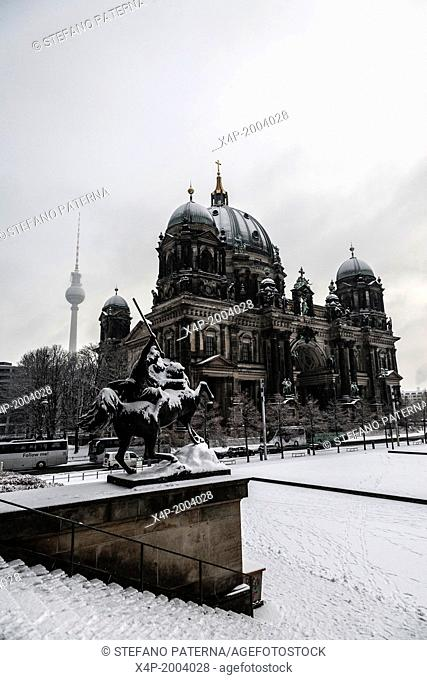 Berliner Dom in the snow, Cathedral, Berlin, Germany