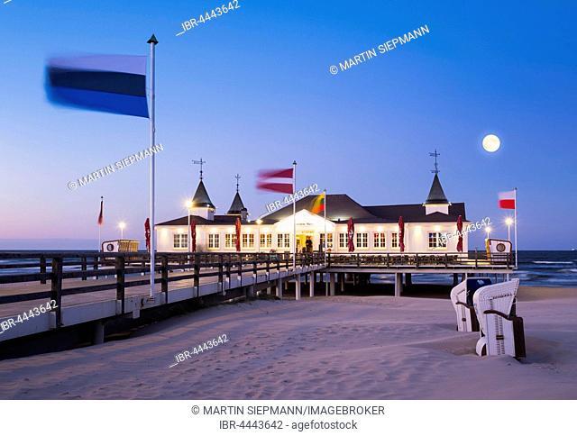 Ahlbeck seaside resort pier at dusk, full moon, Ahlbeck, Heringsdorf, Usedom, Baltic Sea, Mecklenburg-Western Pomerania, Germany