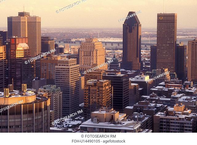Canada, Quebec, Montreal, Aerial view of the downtown skyline of Montreal from Mont Royal in the evening