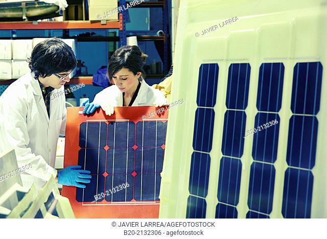 Development of roof panels with solar cells. Research and development of solar panels. Energy and Environment Division. Research and Innovation
