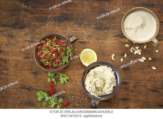 Vegan dips with pebre de chileno, garlic and cauliflower