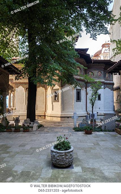 Romania, Bucharest, Lipscani Old Town, Stavropoleos Church, built 1724, exterior