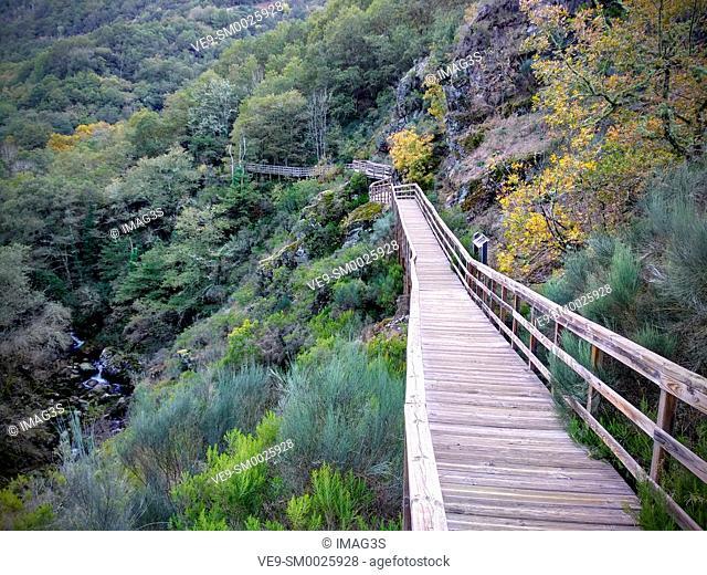 River Mao Boardwalk (PR-G-177), Ribeira Sacra, Ourense, Galicia, Spain