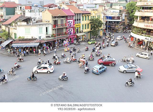 Street action at the Dinh Tien Hoang, Le Thai To and Hang Dao streets intersection, Hanoi, Vietnam