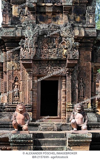 Stone guardian statues, temple, Banteay Srei, Angkor, Siem Reap, Cambodia, Southeast Asia